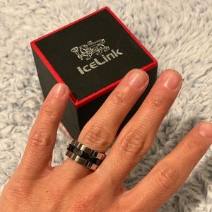 Ice Link Ring